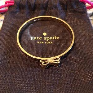 Kate Spade Take a Bow Bracelet in Gold